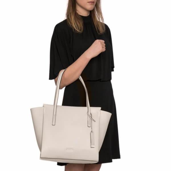 Dámska kabelka Calvin Klein Frame Large Shopper krémová