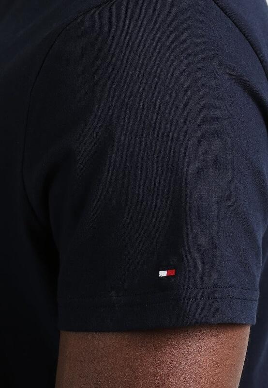 Pánske tričko Tommy Hilfiger Icon SS Tee Logo modré detail