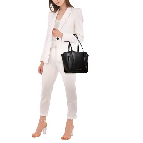 Kabelka Calvin Klein Frame Med Shopper K60K604596 001 čierna