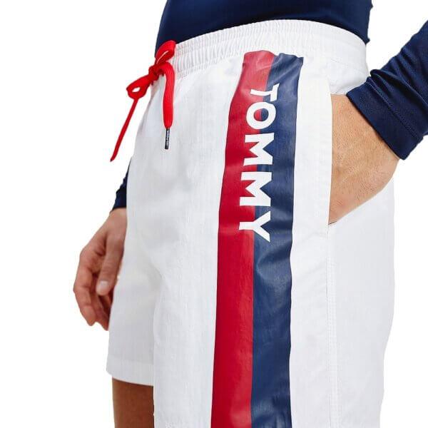 Tommy Hilfiger plavky pánske šortky kúpacie Logo Leg Swim Shorts YCD biele_01