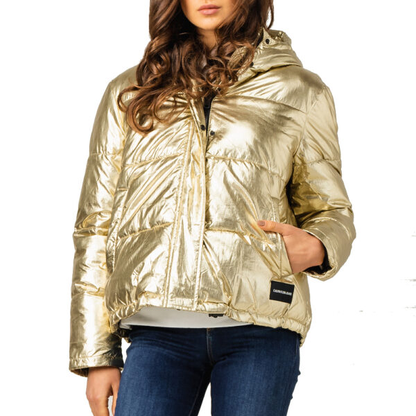 Calvin Klein Jeans bunda dámska zimná prešívaná vetrovka Metallic Puffer Gold zlatá 02